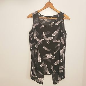 Express Sleeveless Feather Print Top